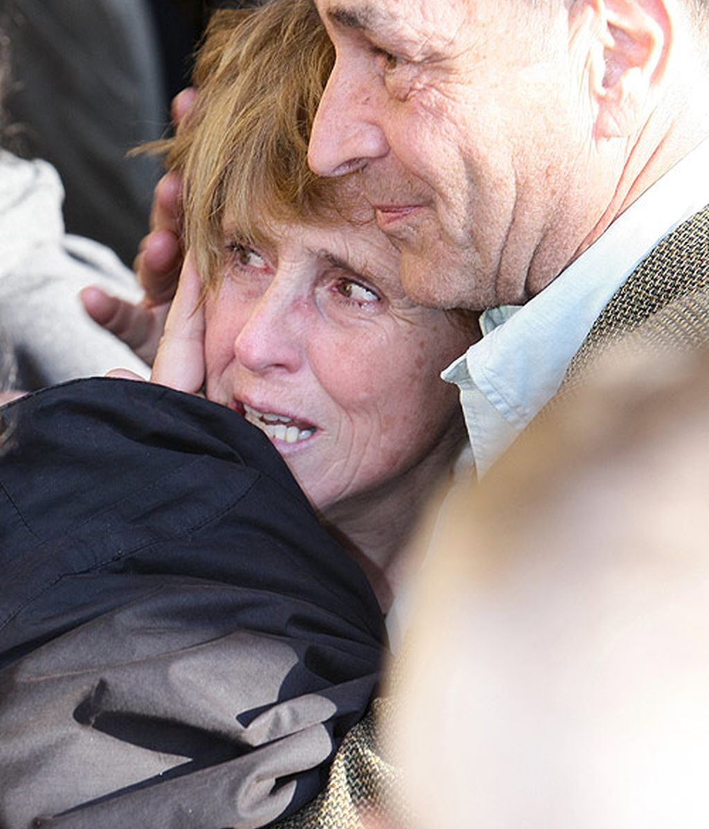 Los compañeros de profesión arropan a Mercedes Milá en el entiero de su padre