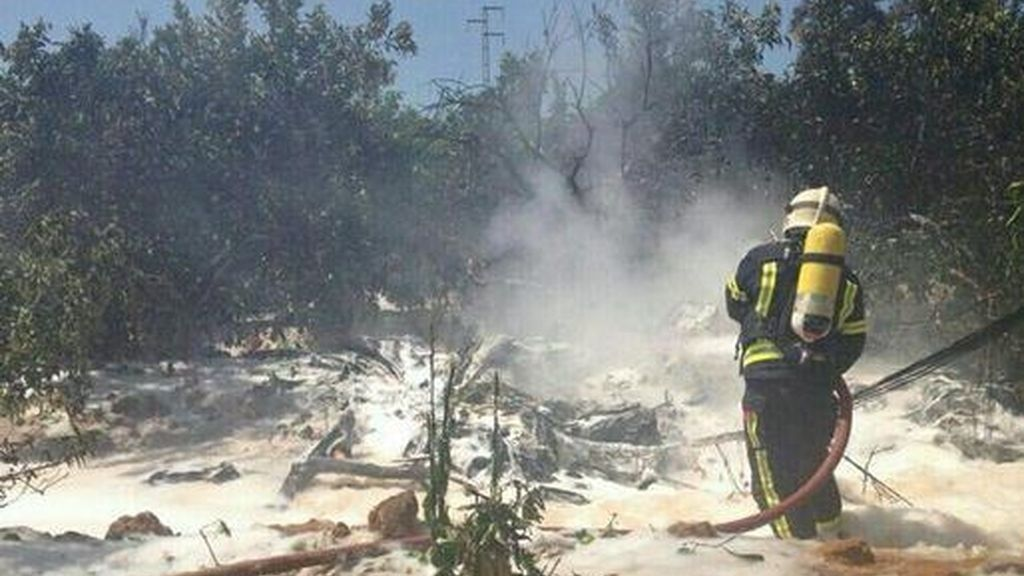 Un muerto tras estrellarse un ultraligero cerca del aeropuerto de Sevilla