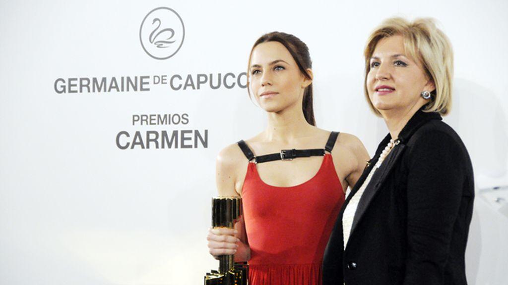 Aura Garrido junto a María Ángeles Vidal, Presidenta de Germaine de Capuccini