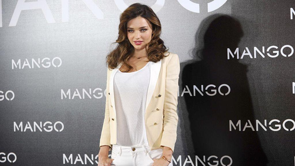 Miranda Kerr, la nueva imagen de Mango para primavera/verano 2013