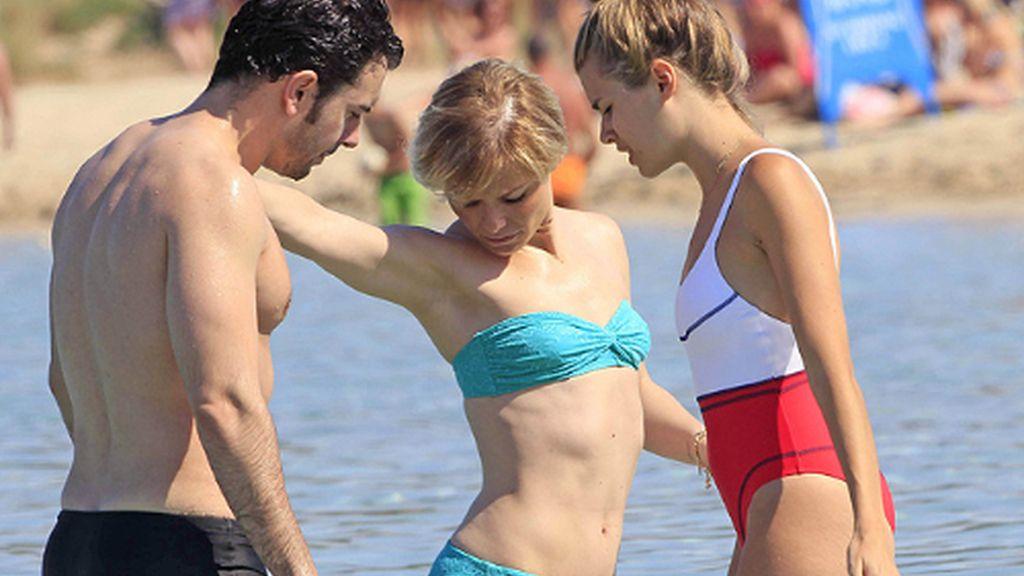 Soraya luce sus tattoos en Ibiza