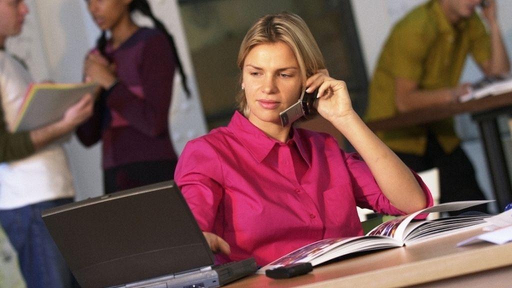Las mujeres están mejor cualificadas para determinados empleos asociados a hombres FOTO: GTRES