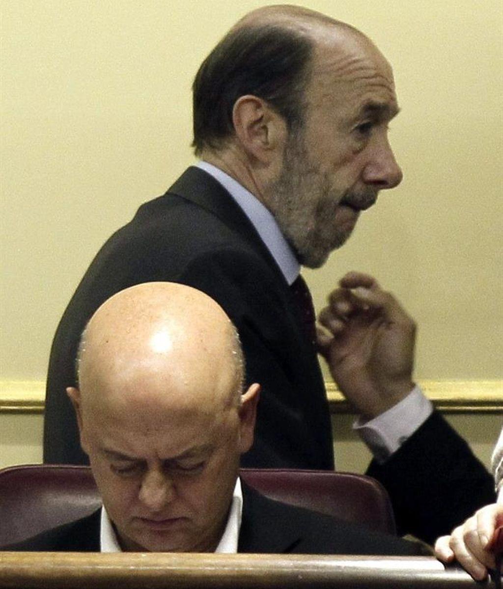 Odón Elorza se desmarca del PSOE y se abtiene de la ley de abdicación