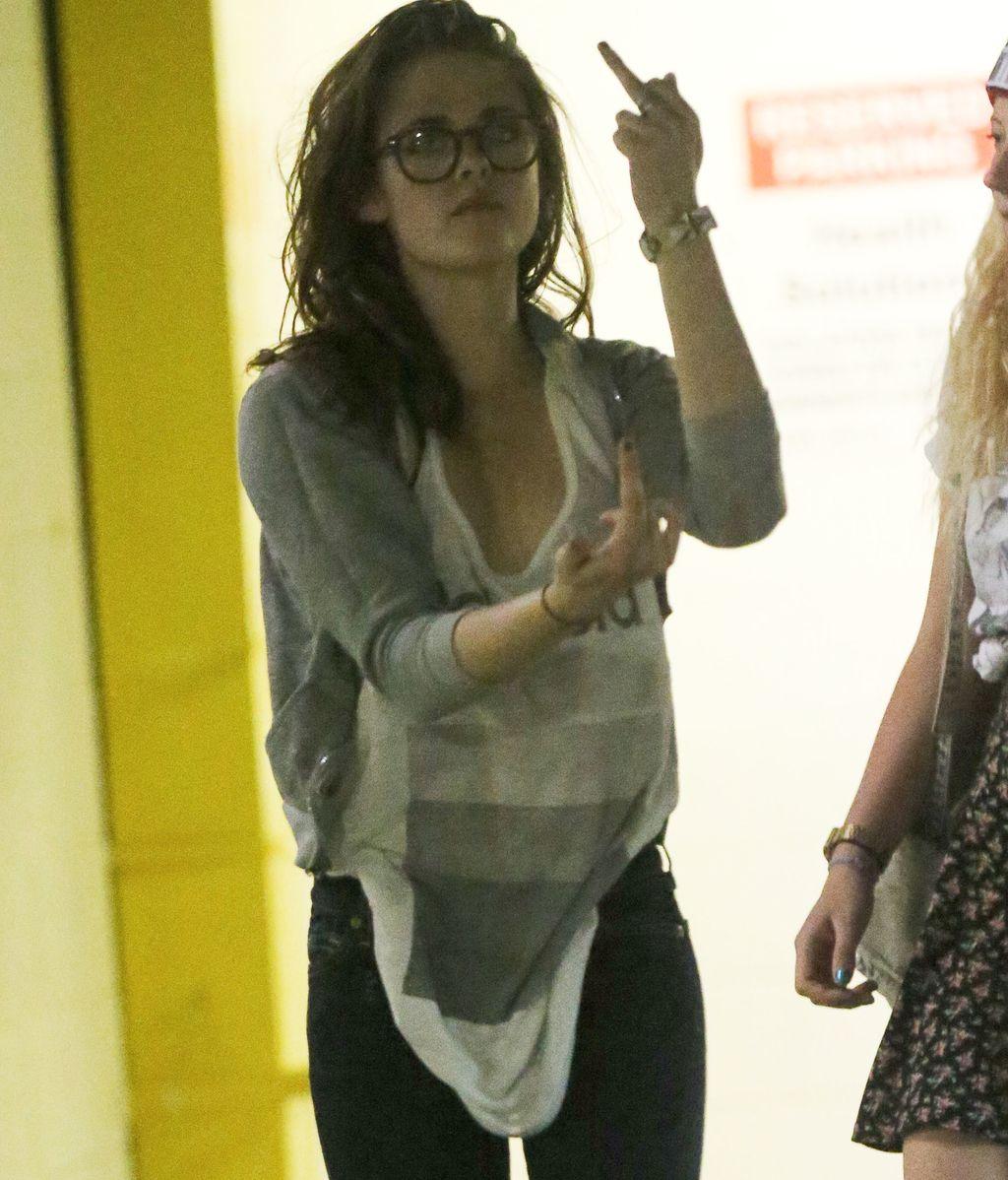 Kristen Stewart, enfadada con la prensa tras su ruptura con Pattinson