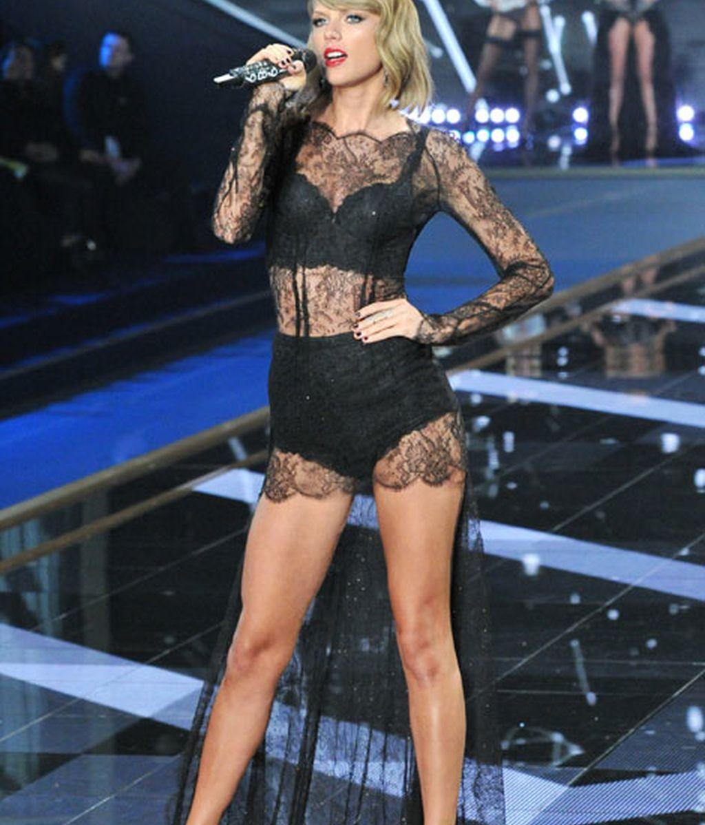 Taylor Swift ylució varios 'look' durante el desfile