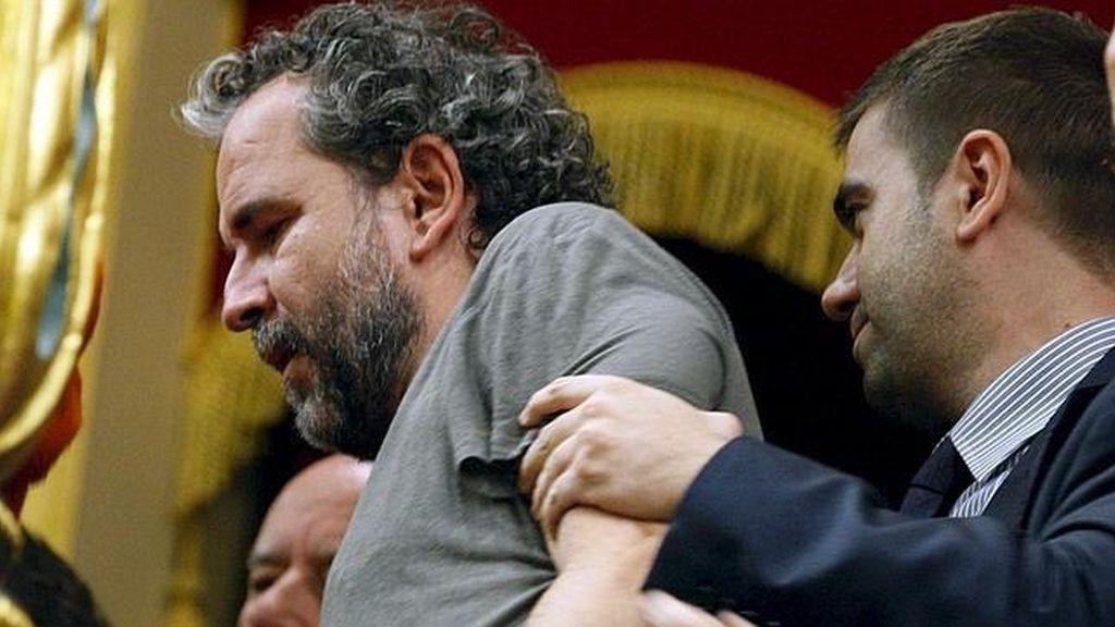 Willy Toledo en un acto de protesta en apoyo al pueblo saharaui en el Congreso.