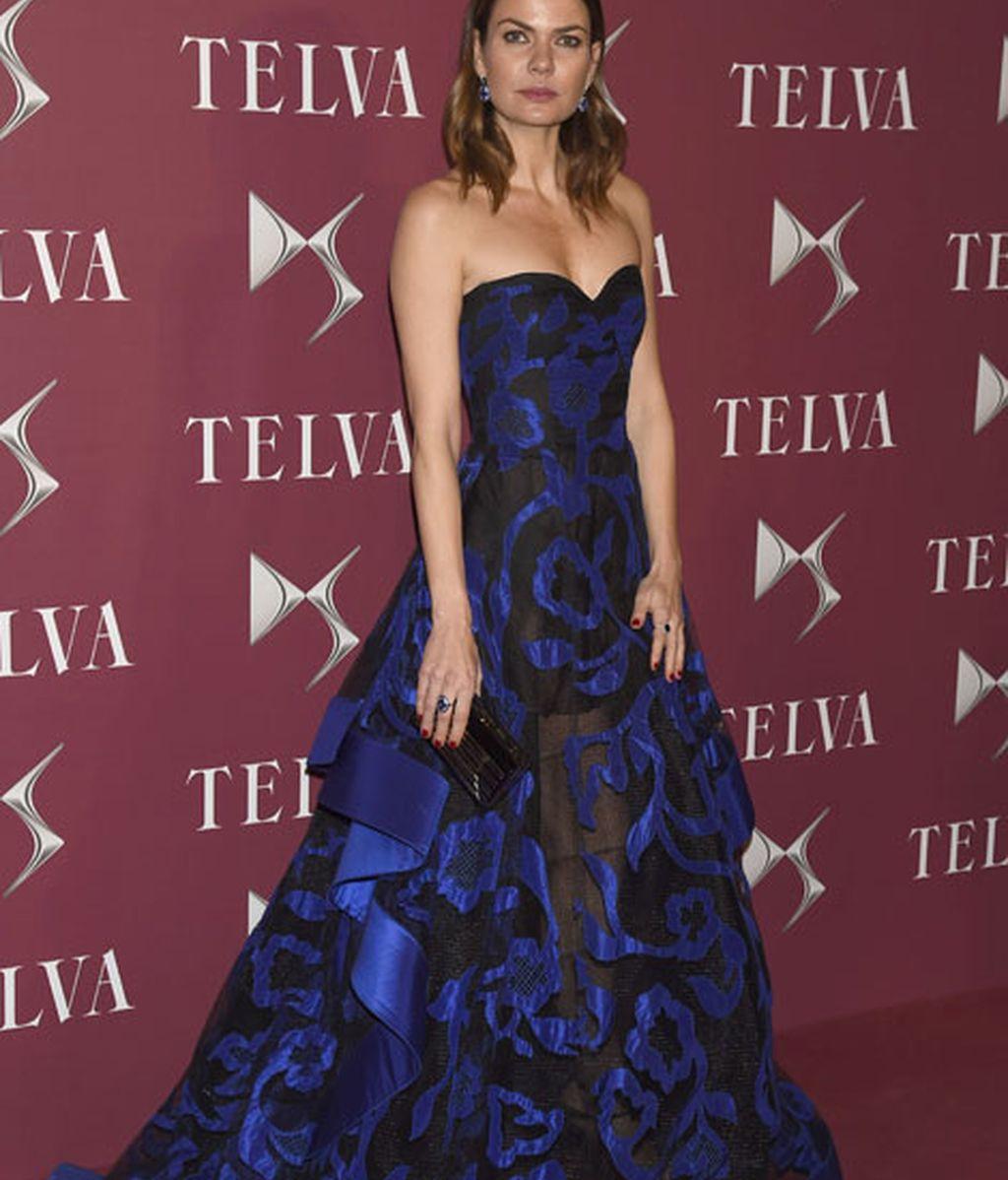 Alejandra Rojas, la presentadora de la gala, iba de Oscar de la Renta