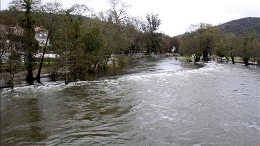 Imagen del río Umia a su paso por la localidad pontevedresa de Caldas. EFE