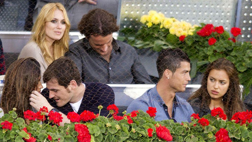 Trío de parejas vip:Casillas, Sara Carbonero,Cerezuela, Mollá, Irina y CR7