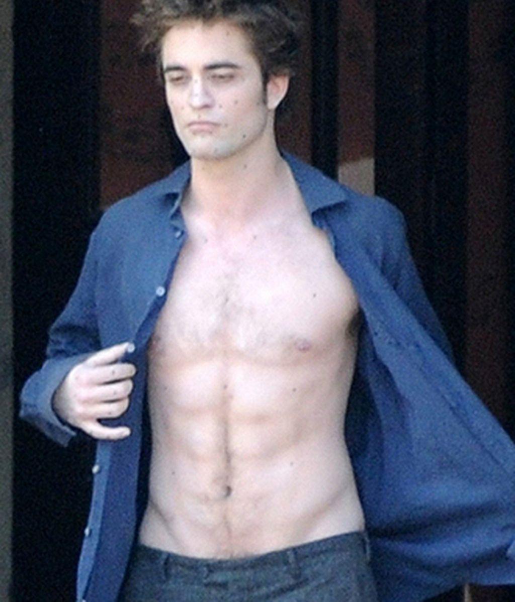 Robert Pattinson está tratando de ganar masa muscular para darle más credibilidad a su personaje de la saga Crepúsculo.