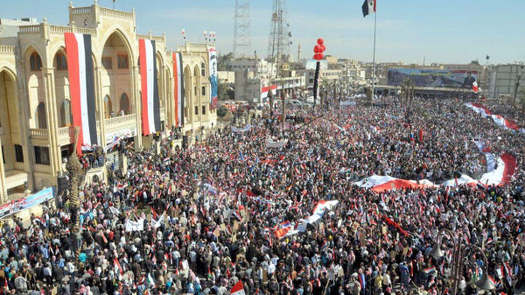 Al Assad aprueba un plan para dialogar con la oposición y poner fin a la violencia