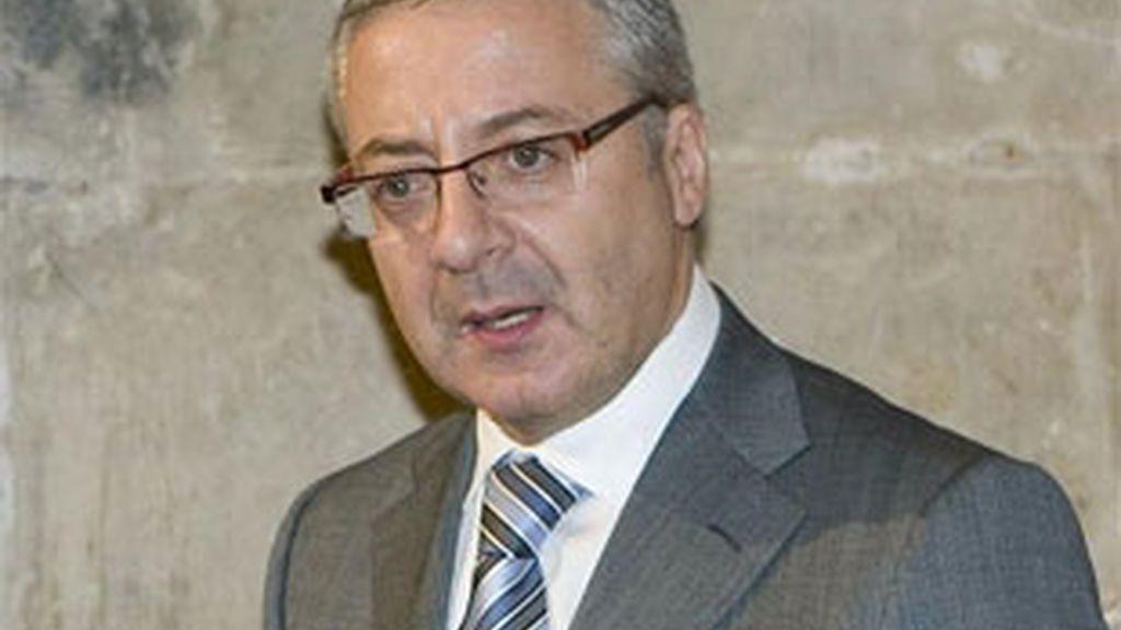 El ministro de Fomento, José Blanco, pide una respuesta proporcionada. Video: ATLAS