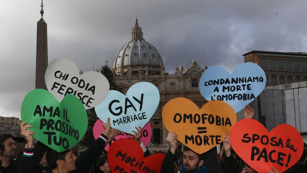 Protestas del colectivo gay en el Vaticano