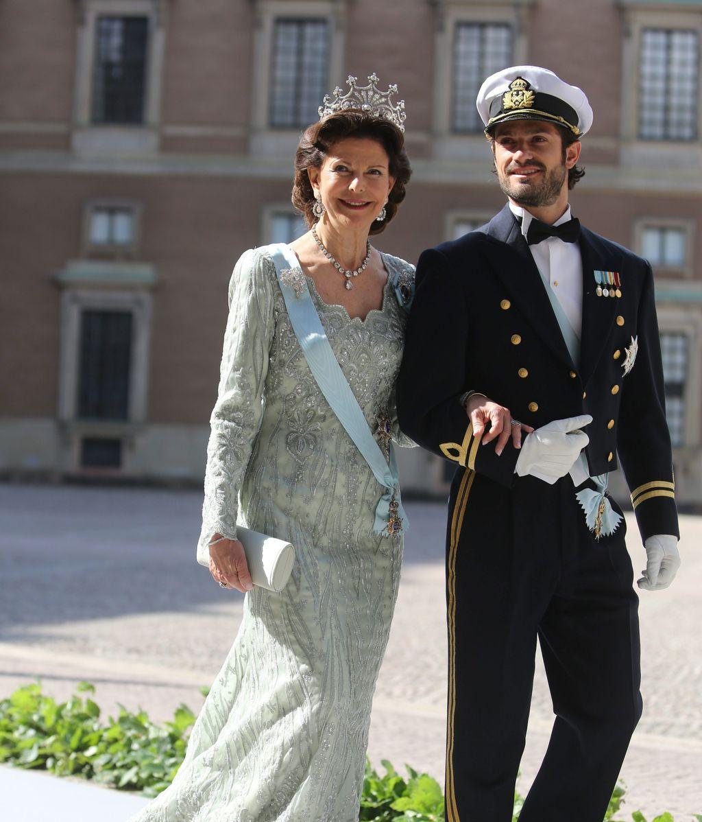 La Reina Silvia y el Príncipe Carlos Felipe de Suecia