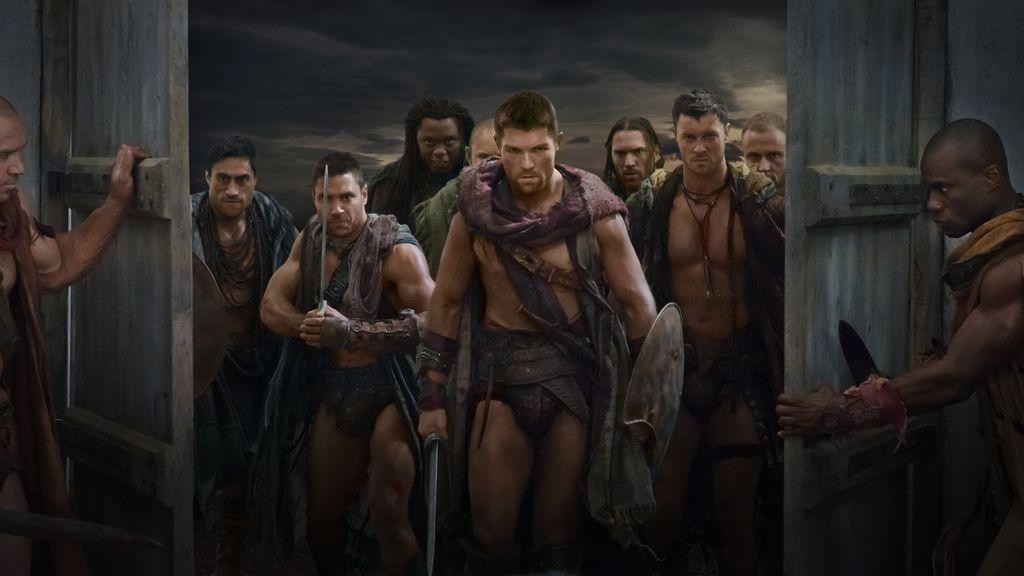 Spartacus y Crixus luchan juntos en el primer capítulo de estreno