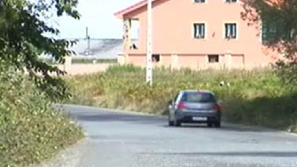 El accidente más grave tuvo lugar en la localidad de Ordes en A Coruña donde fallecieron atropellados tres miembros de la misma familia