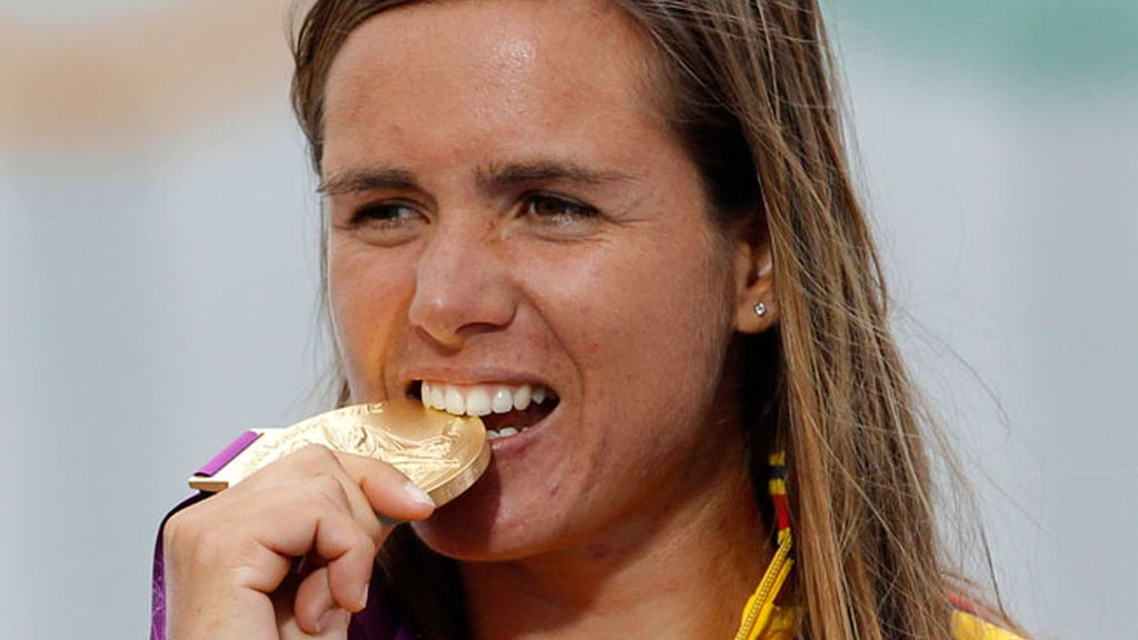 Marina Alabau logra el oro en Windsurf