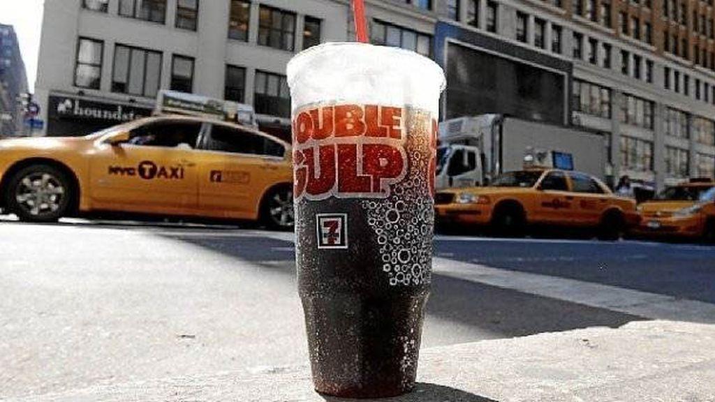 El alcalde de Nueva York quiere prohibir la venta de refrescos XXL