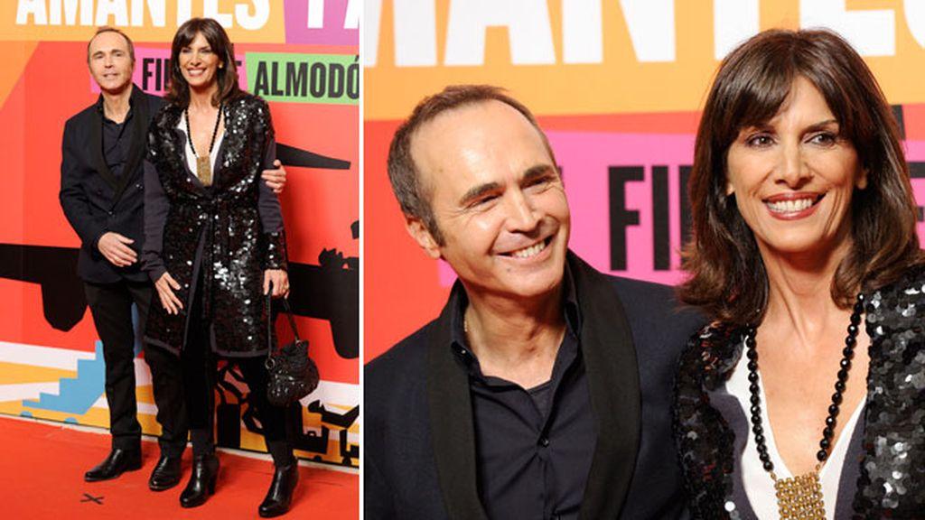 La pareja de actores Juan Ribo y Pastora Vega, felices y sonrientes