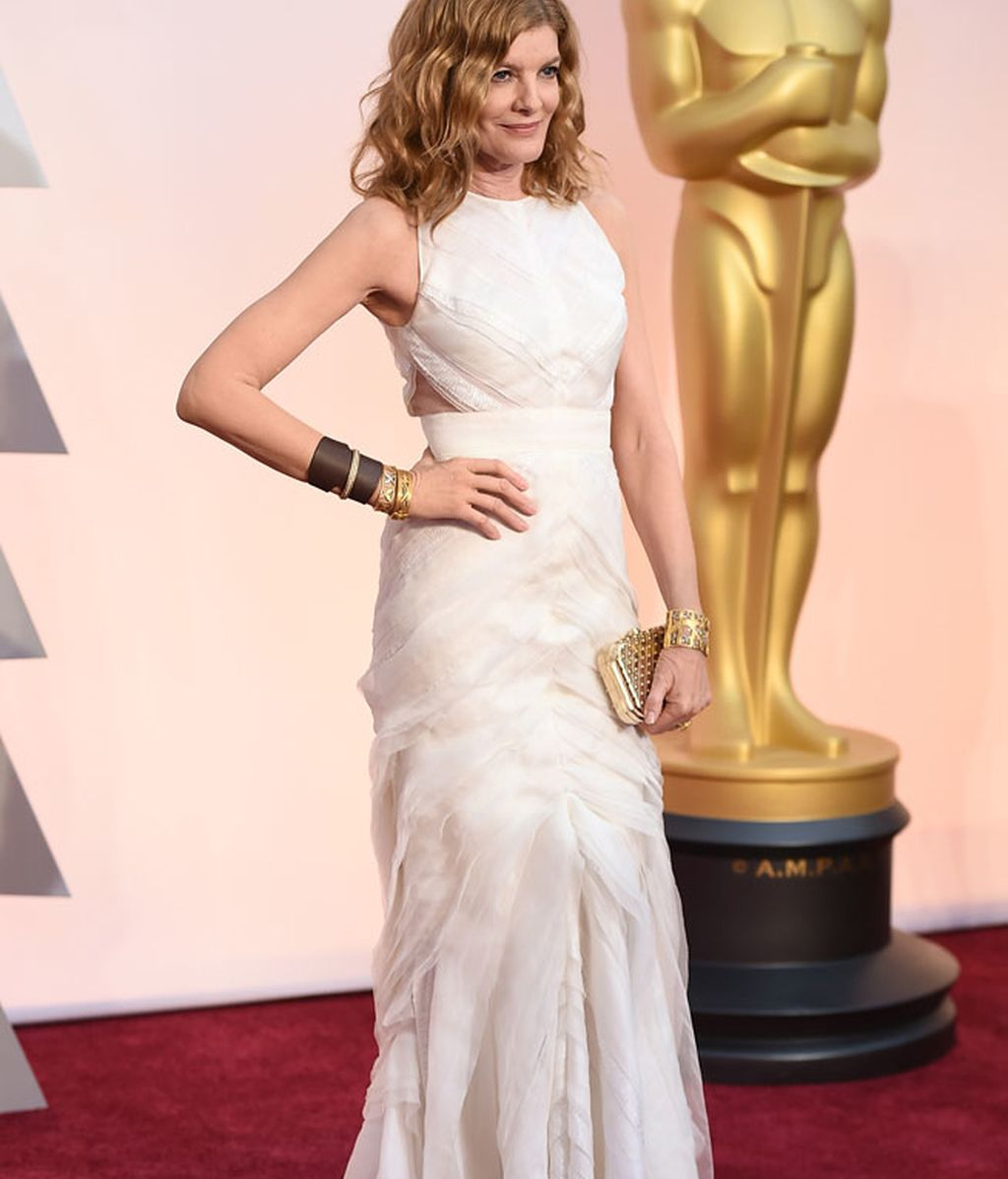 Rene Russo en la alfombra roja de los Oscar
