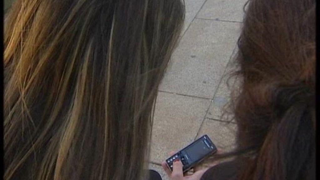 Casi todos los niños tienen móvil antes de los 15 años