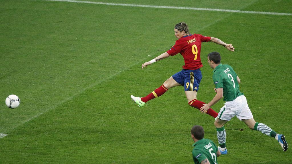 Derechazo de Torres y para adentro (Gol en el minuto 4)