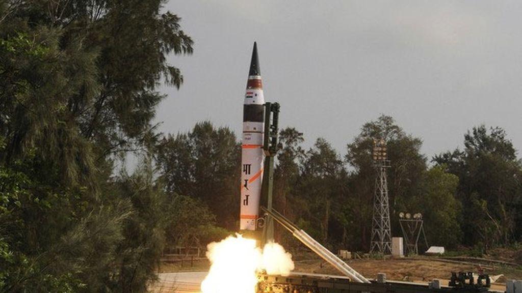 India prueba un misil de largo alcance capaz de adentrarse en China y Europa