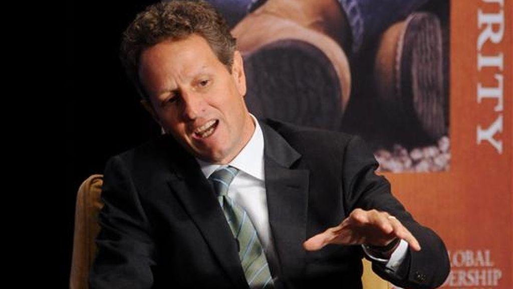 """""""Una de las misiones centrales del FMI es la de llevar a cabo una vigilancia rigurosa del sistema monetario internacional"""", señaló el Secretario de Tesoro de Estados Unidos, Timothy Geithner en el texto de su discurso ante el Comité Monetario y Financiero Internacional. EFE/Archivo"""