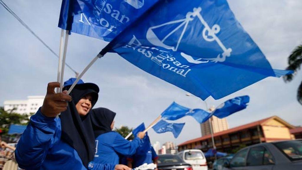 La coalición gobernante en Malasia logra una mayoría simple en el Parlamento