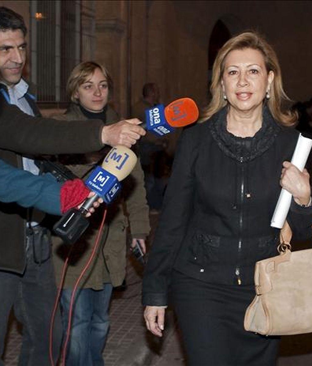 La ex presidenta del Parlamento balear y ex presidenta de UM, María Antonia Munar, sale de los juzgados tras declarar ayer por la  mañana por el caso Maquillaje. EFE/Archivo