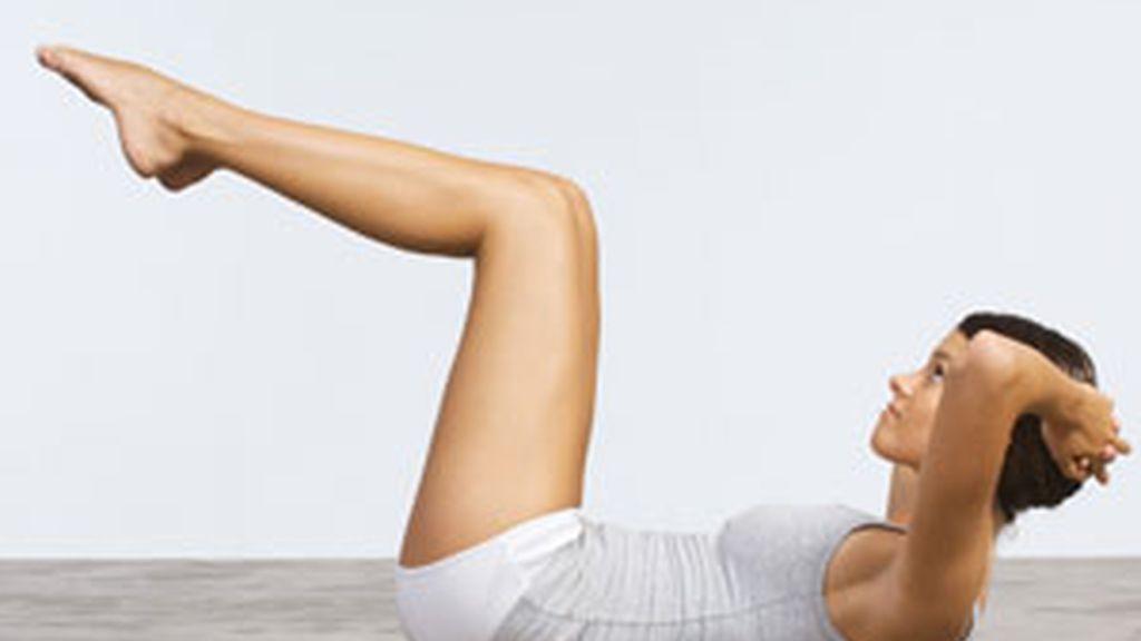 Una mujer haciendo ejercicio