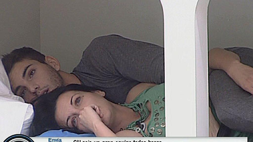 Laura y Marcelo no esconden su amor