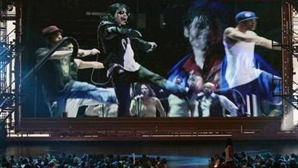 """Un grupo de fans de Michael Jackson ha comenzado una campaña de """"alerta"""" alrededor del próximo estreno de """"This is It"""", porque oculta la realidad"""
