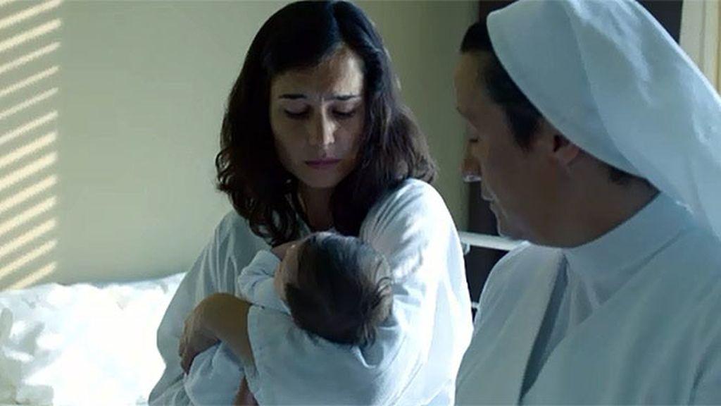 La joven reside en un piso-cuna hasta dar a luz