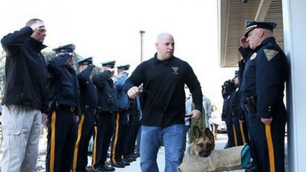 La conmovedora despedida de Juez, un perro policía diferente