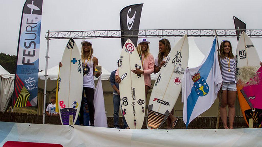 Campeonas de Surf sub-18 femenino