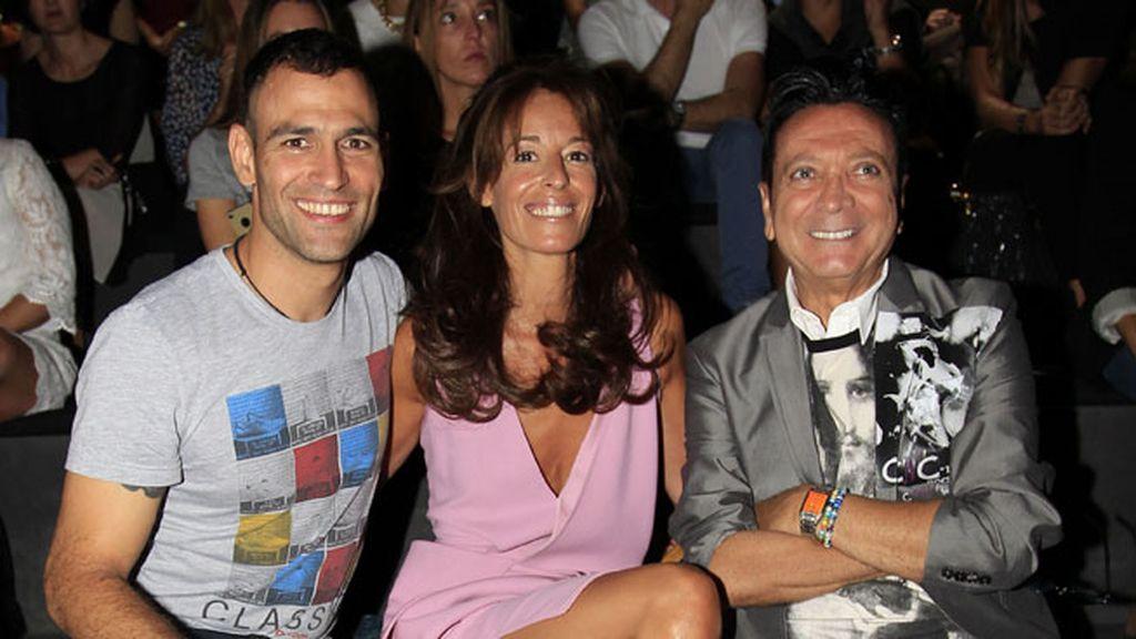 Darío Barrio, Mónica Martín Luque y Rupert en Devota y Lomba