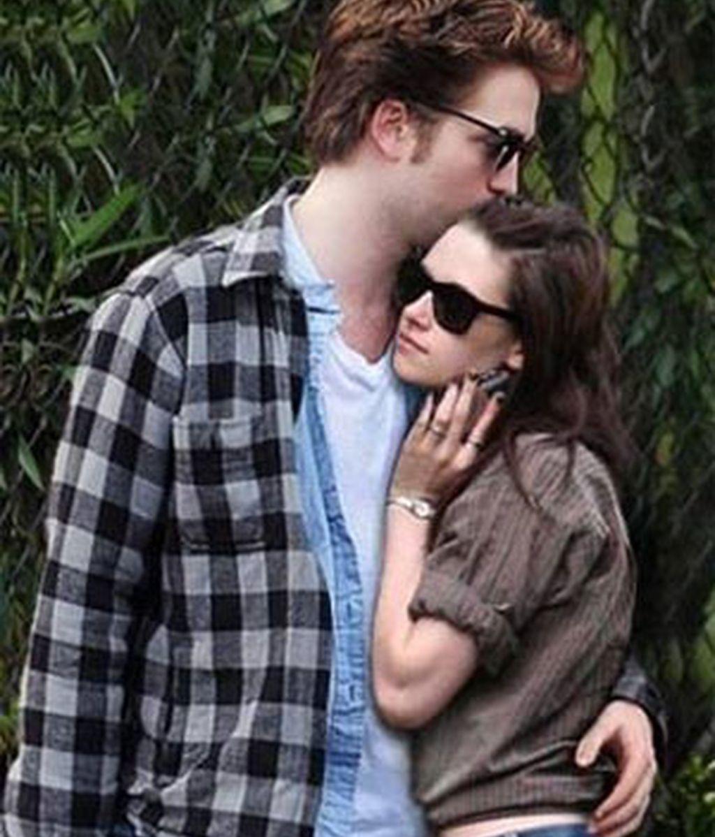 Pattinson y Stewart, más enamorados que nunca.