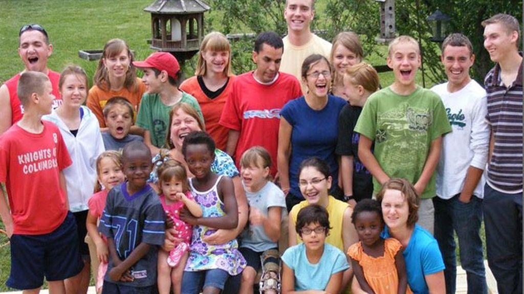 Jeane, Paul Briggs, 34 hijos, familia numerosa, niños adoptados, Falling Waters