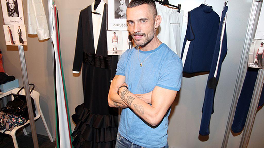David Delfín nos ha enseñado su colección en el backstage de MBFWM