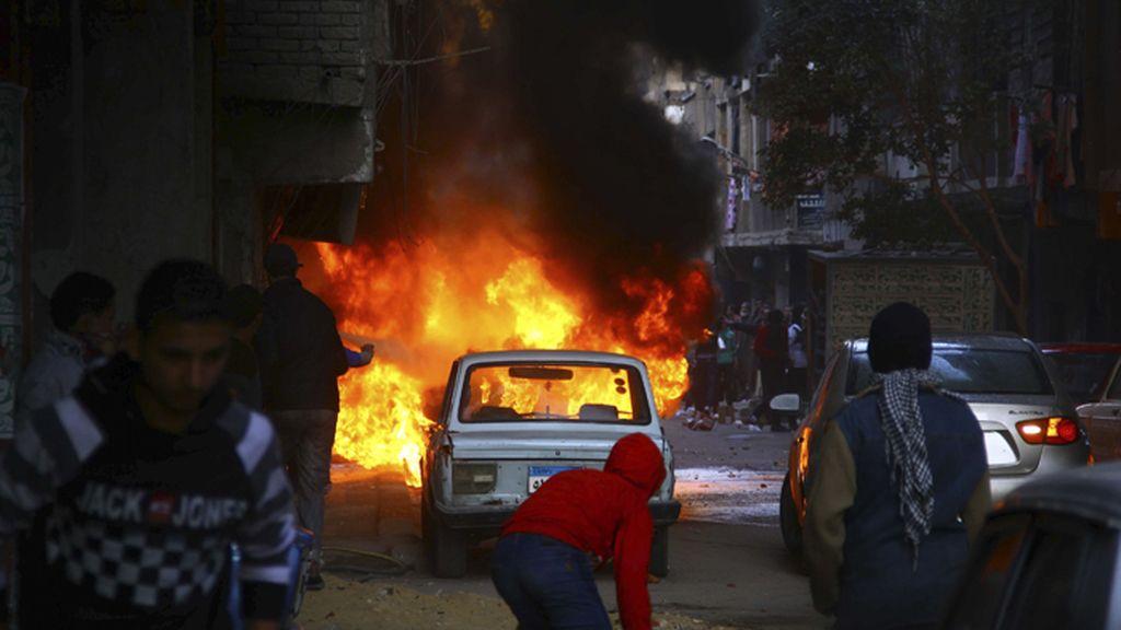 Violencia en las callen de El Cairo por los enfrentamientos entre seguidores de Morsi y las fuerzas de seguridad