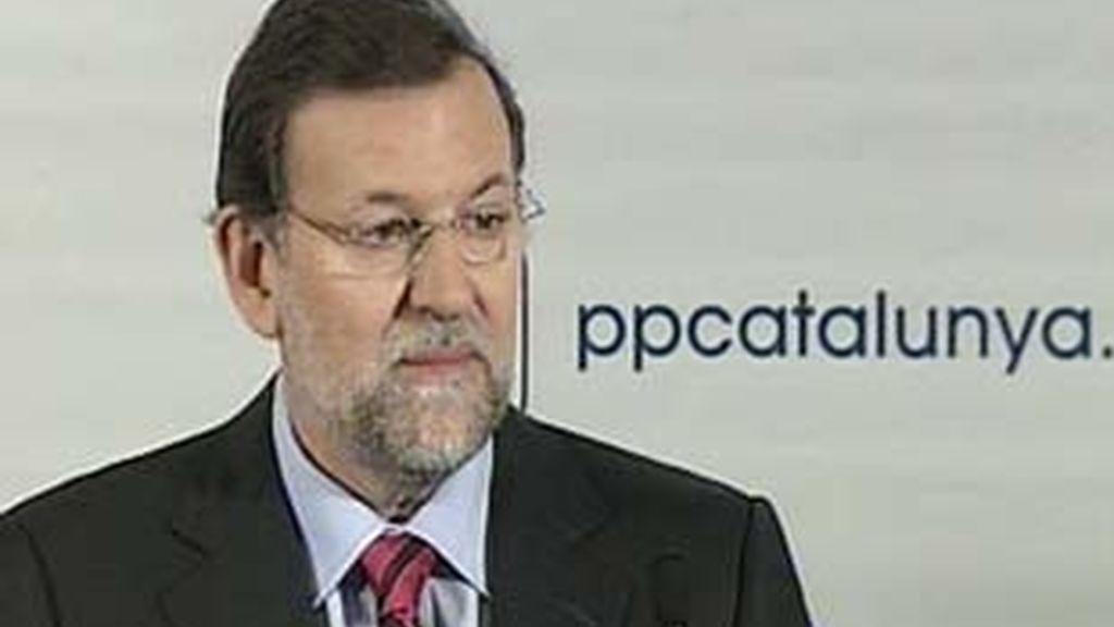 """Rajoy ha asegurado que ve a Esperanza Aguirre como """"una excelente política"""". Video: Informativos Telecinco."""