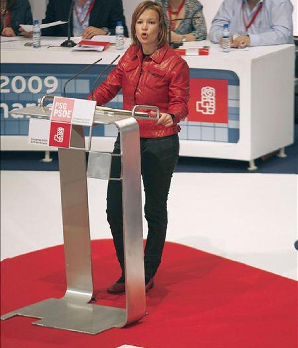 La secretaria de organización del PSOE, Leire Pajín, durante su intervención en el Congreso extraordinario del PSdeG-PSOE celebrado hoy en Pontevedra para elegir a su nuevo secretario general. EFE