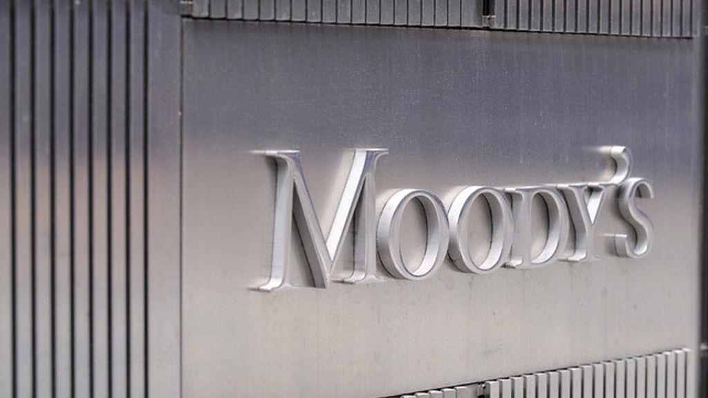 Moody's rebaja la calificacion de la deuda soberana italiana