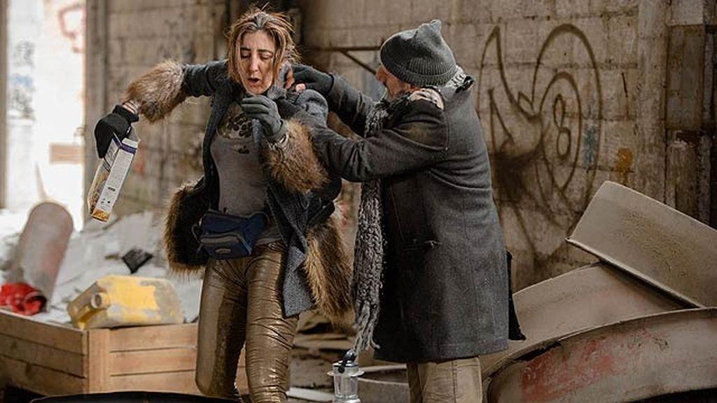 Paz Padilla (La Chusa) acude al mercadillo benéfico de Montepinar