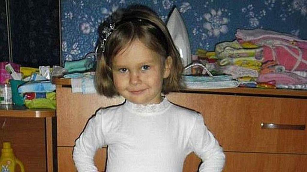 Muere con 6 años tratando de salvar a su hermano de una tetera de agua hirviendo