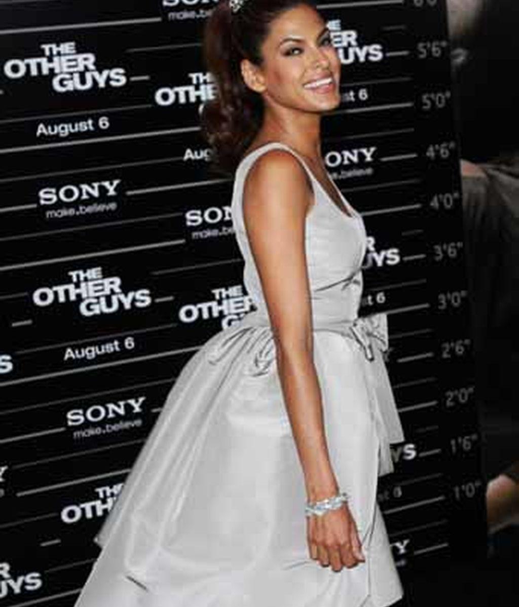 Eva Mendes, espectacular de estreno