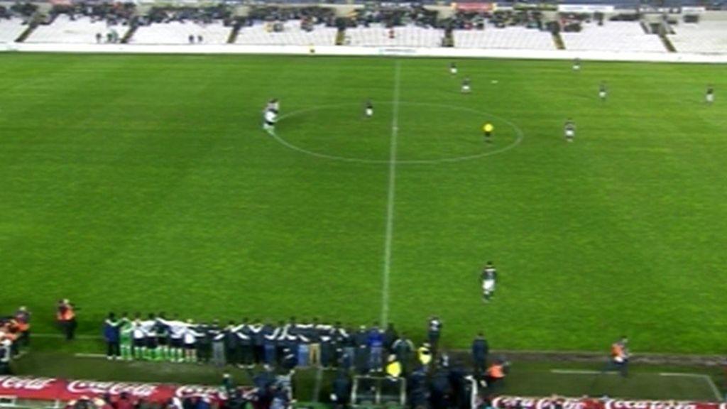 El Racing empezó en el campo el partido pero no disputó el balón