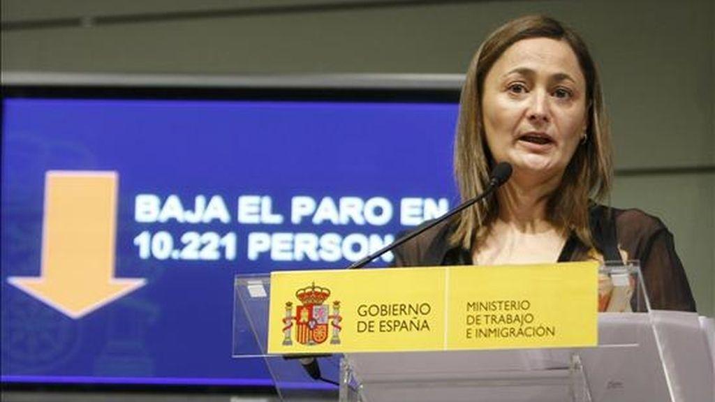 La secretaria de Estado de Empleo, Mari Luz Rodríguez, durante la rueda de prensa que ofreció hoy en Madrid para valorar los datos del paro registrado en los Servicios Públicos de Empleo y de las afiliaciones a la Seguridad Social del mes de diciembre y de todo el año 2010. EFE