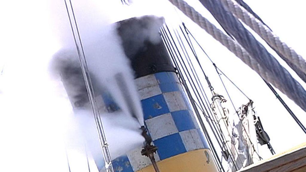 Un barco que funciona a vapor